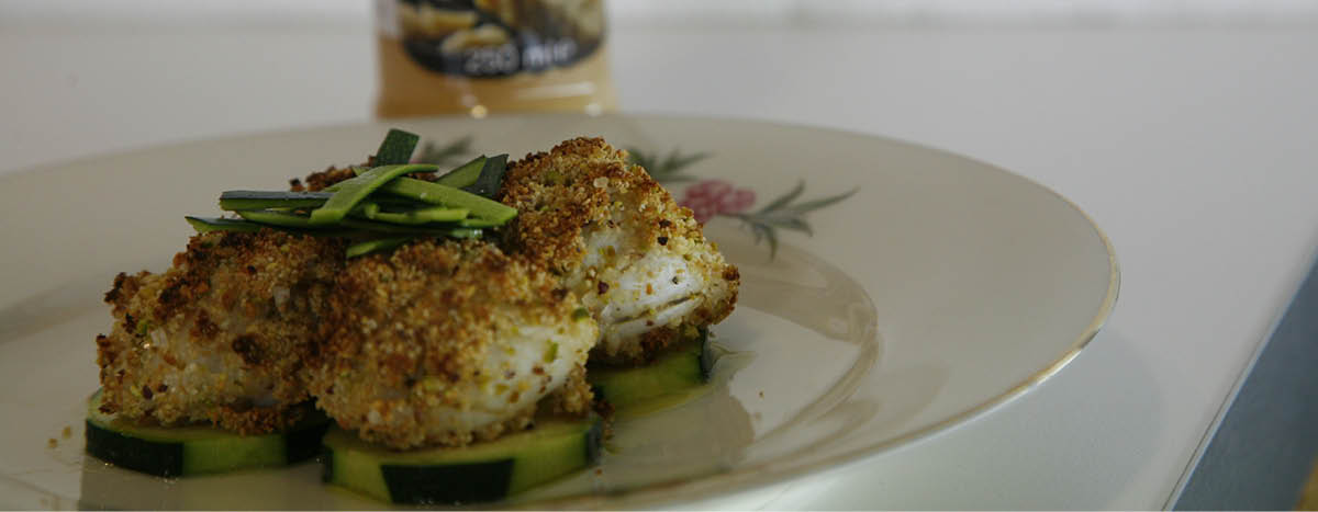 Breaded scallops with pistachios